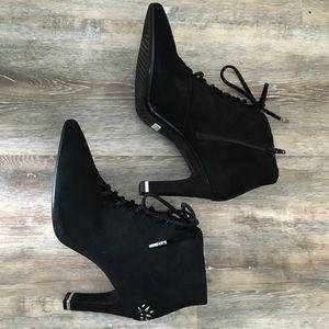 NWOB! Aerosoles suede leather black bootie Sz 9.5M